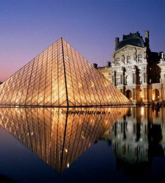 Museu do Louvre em Paris faz parte do nosso roteiro de viagem com destino a França.