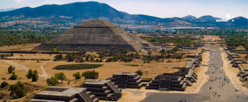 Pirâmides de Teotihuacan no México